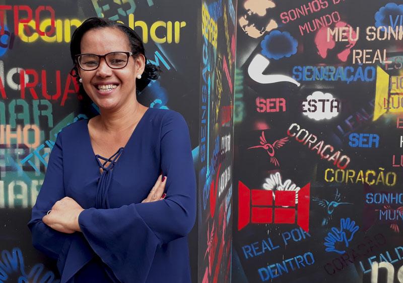 Professora Maris Ester: da faxina para a sala de aula