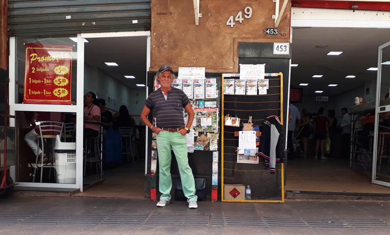 Zelão vende bilhetes calçadão de Ribeirão Preto História do Dia