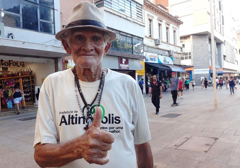 Seu Dorivaldo dançarino calçadão Ribeirão Preto