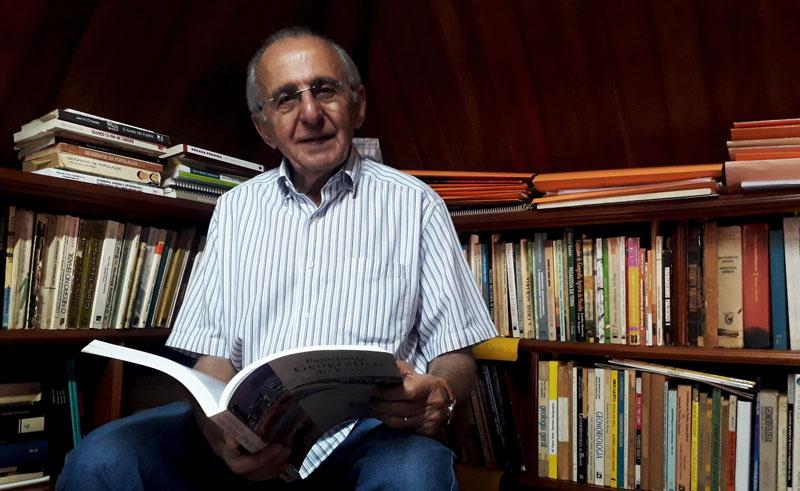 Melhem Adas professor de geografia