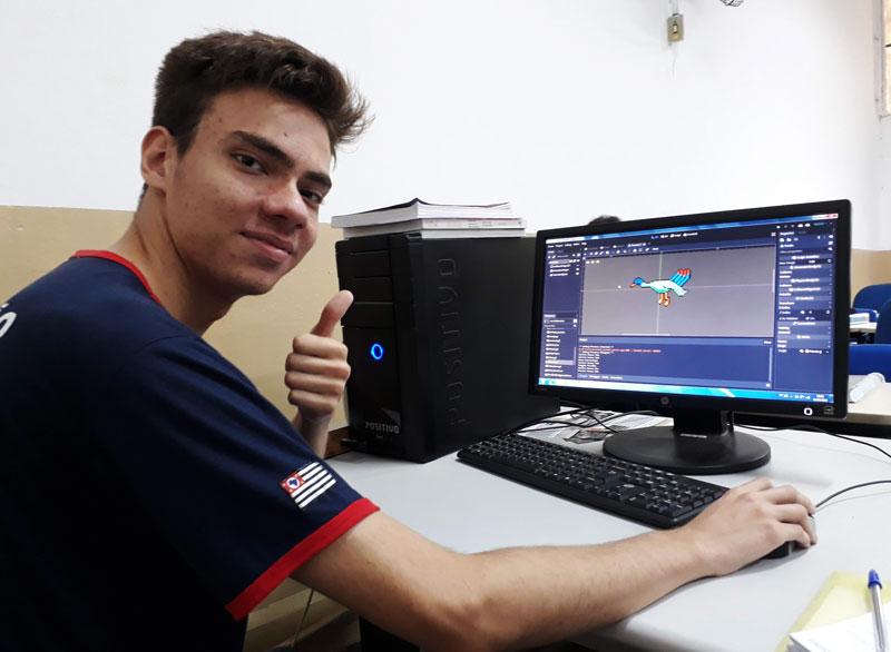 Pavão frequenta aulas no Centro Paula Souza