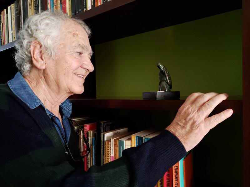 Menalton Braff, vencedor do prêmio Jabuti, dedica seus dias à literatura